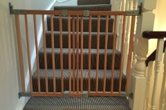 Fitting of BabyDan extendable wooden stair gate